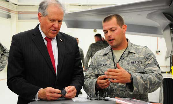 DOD, AF leaders look to F-35 maintainers for help
