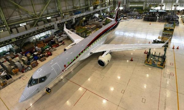 PW1200G engines mounted on the first MRJ flight test aircraft