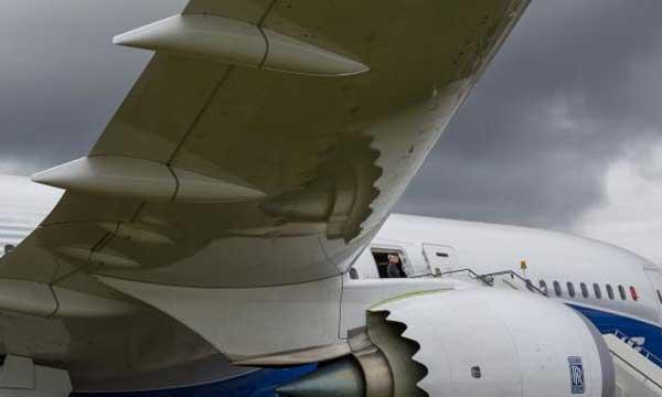 Airbus, Boeing climb close to $100 billion in air show deals