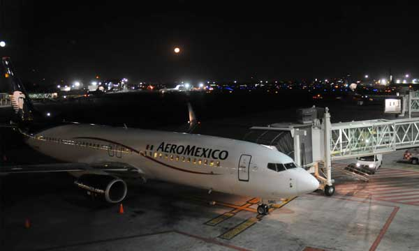 AWAS delivers second new 737-800 to Aeromexico