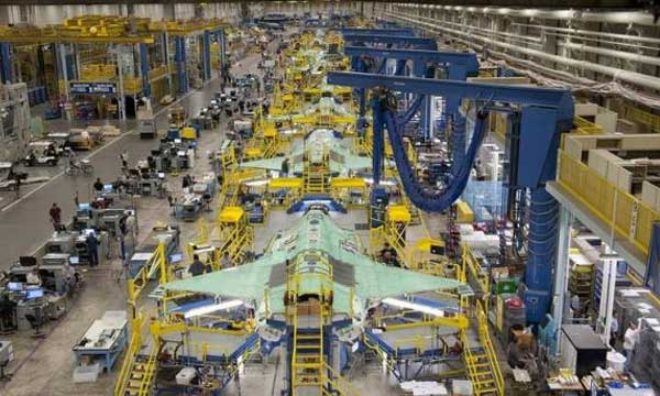 Lockheed, suppliers brainstorm how to lower F-35 operating costs