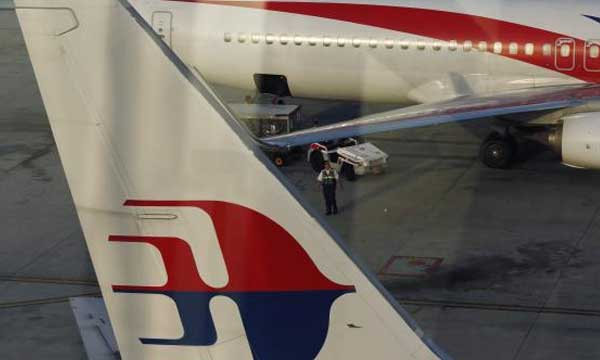 Malaysia Airlines to cut 6,000 jobs, de-list in $1.9 billion restructuring
