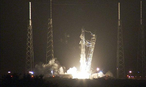 SpaceX launches dragon cargo ship for NASA
