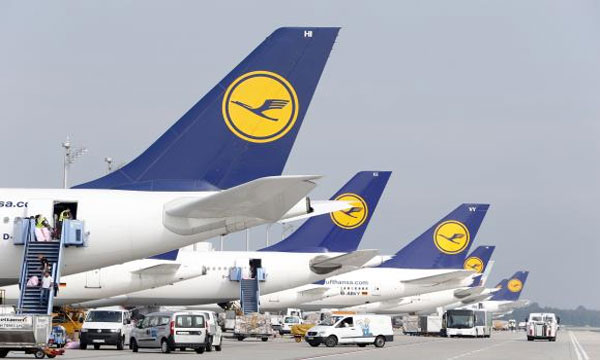 Lufthansa pilots threaten strike as talks fail again