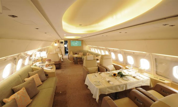 Airbus showcases its large cabin for ACJ319 jet