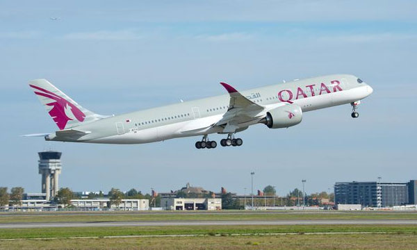 Qatar Airways' first A350 XWB completes its maiden flight
