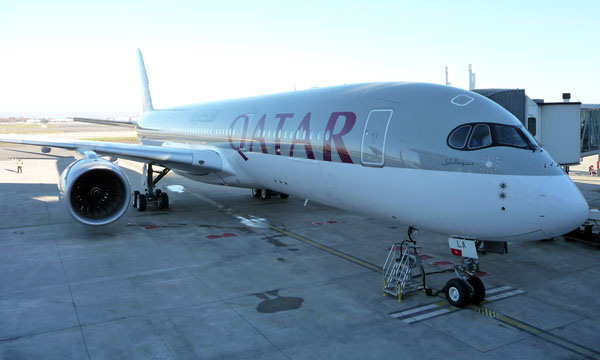 Qatar Airways' 1st A350 accompanies its 4th A380 for delivery to Qatar