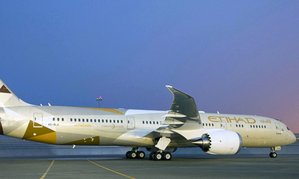 Boeing Delivers Etihad Airways' First 787-9 Dreamliner