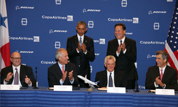 Presidents Varela, Obama Witness Signing of Historic Airplane Order
