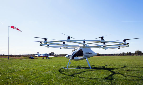 Volocopter VC200 : first easy-to-fly helicopter takes off